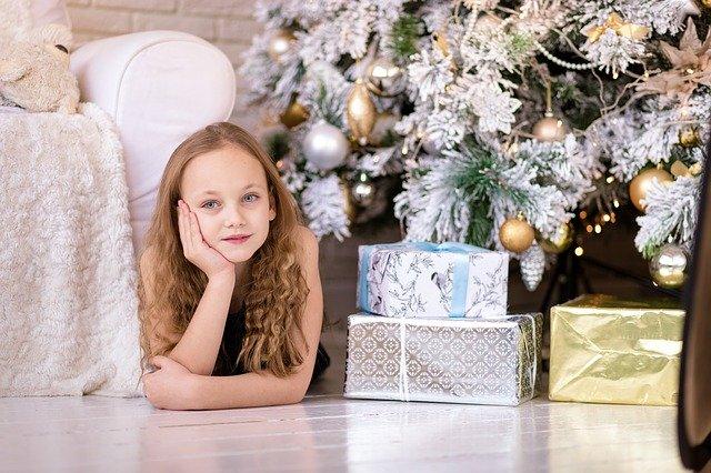 Weihnachten, Geschenke, Kind