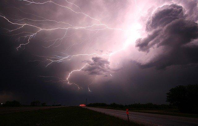 Blitze, Sturm, Orkan, Wind